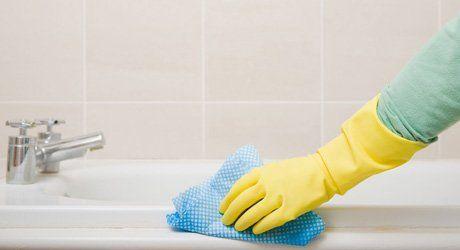 bath tub cleaning