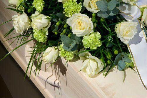 bara bianca con rose