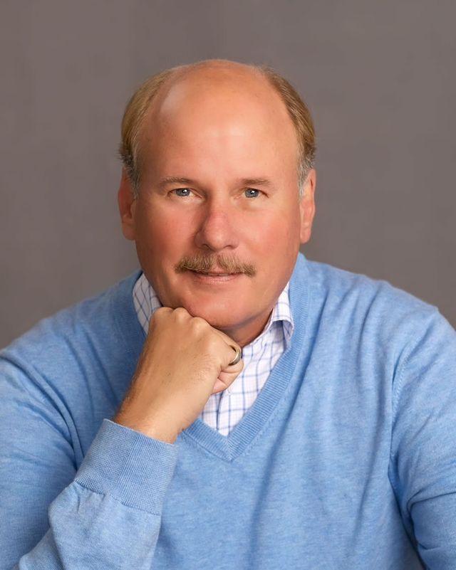 Kurt Bensworth - Book Author