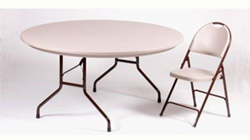 Round Tables Equipped With Wishbone Legs