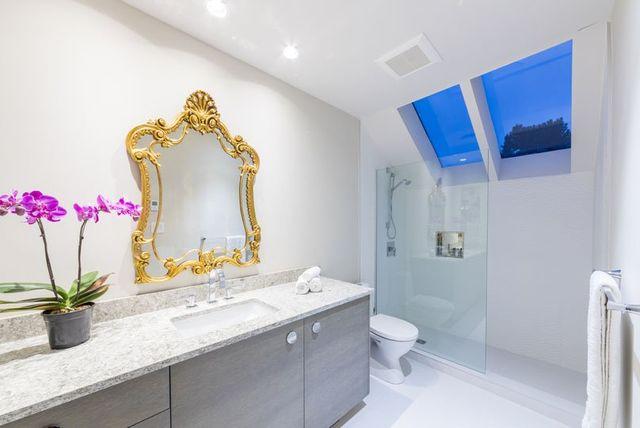 POINT GREY VANCOUVER BATHROOM