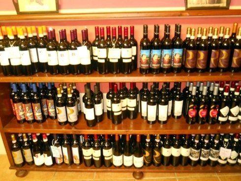 Cantina di vini dell'Osteria L'Ostu sul Cantun