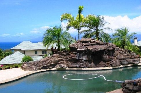 Water feature created by Maui's Pool Pros