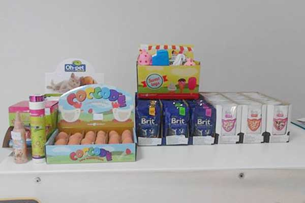 Alimenti e kit per l'igiene degli animali di Show Dog 3QS a Quartu Sant'Elena