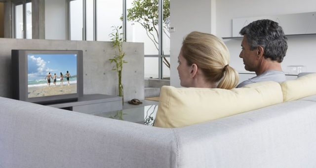 Couple enjoys a crisp television picture after antenna installation in Tauranga