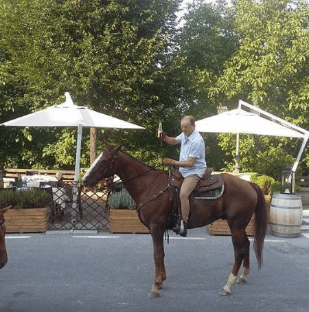 uomo a cavallo