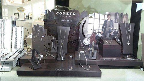 esposizione gioielli a marchio COMETE