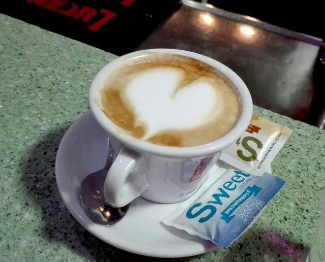 Cappuccio alla caffetteria del Bar Gelateria La Voglia Matta a Matera