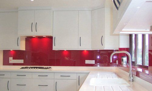 beautiful glass splashback