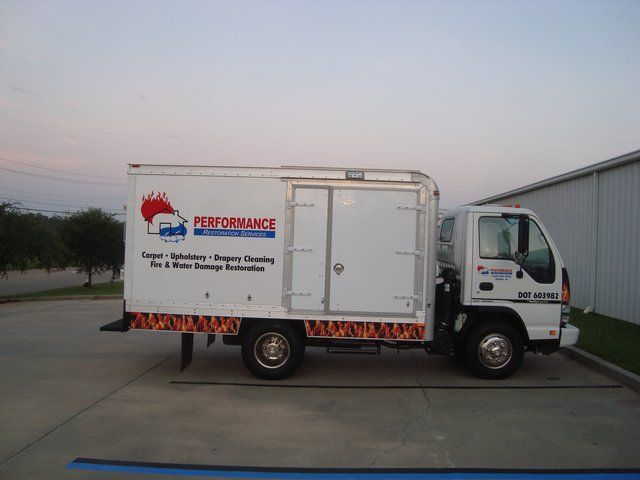 Mini truck of Performance Carpet Cleaning & Restoration Inc