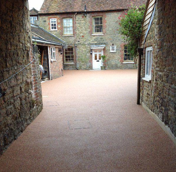 resin bonded gravel courtyard