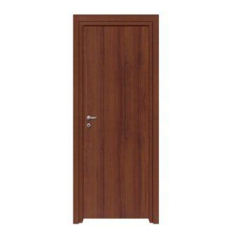 un porta da interno in legno scuro