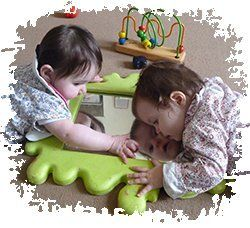 2 babies playing