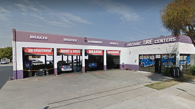 Discount Tire and Service Centers Fullerton - West Orangethorpe location