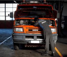 riparazioni veicoli industriali tira
