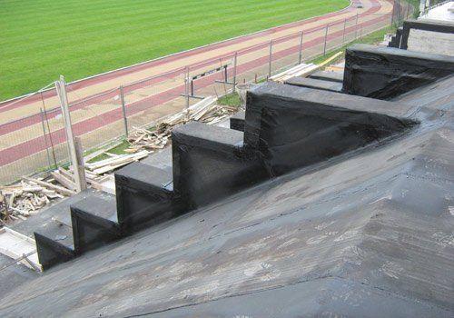 costruzione tribune di uno stadio