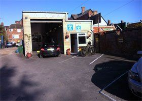 Vehicle servicing - Wootton Bassett, Swindon - Bassett Garage - Vehicle Garage