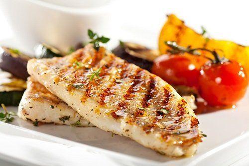 Pesce  con verdure grigliate.