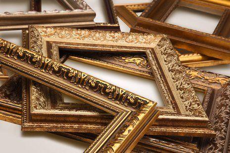 cornici con arti color oro