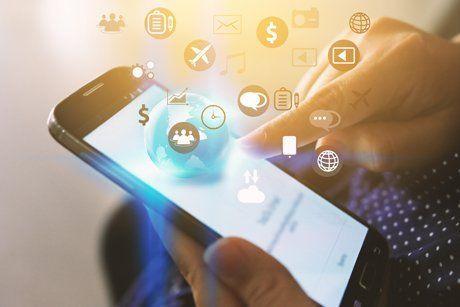 uno smartphone con varie icone in 3d