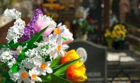 servizio di addobbi floreali per funerali