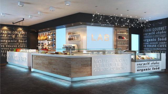 Moderno interno di un bar in fase di progettazione fatto di legno e i tubi di ferro zincato