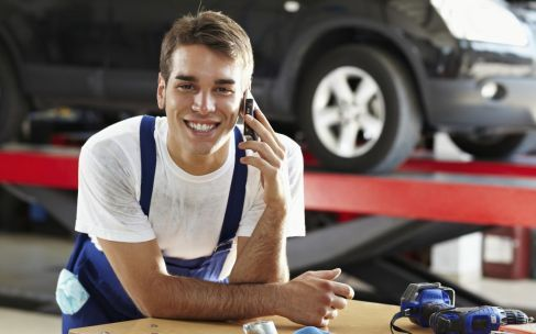 mechanic talking on the phone