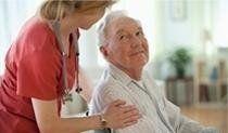 assistenza ad un anziano