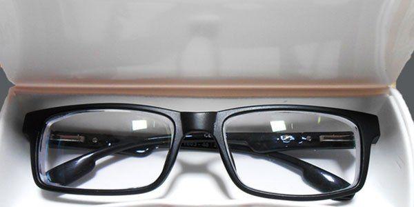 occhiali neri