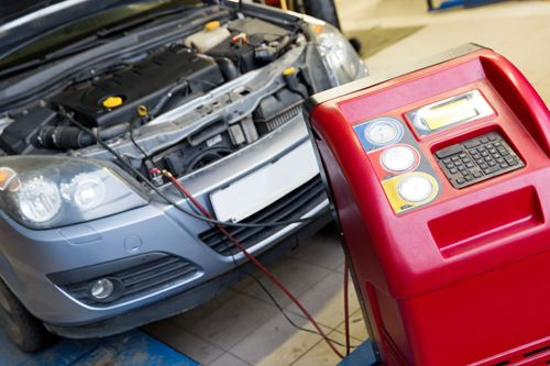 Professional providing auto electrical repairs in Grey Street, NZ