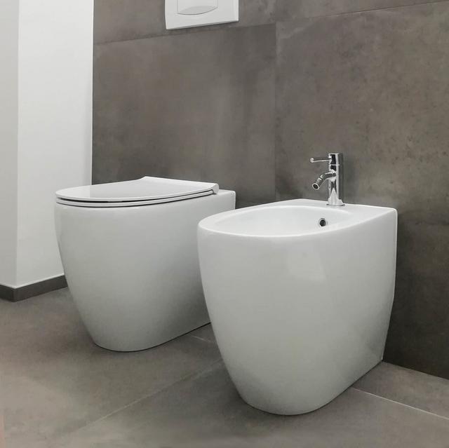 Mobili Arredo Bagno Ideal Standard.Mobili Bagno E Sanitari Mantova Mantua Bagni