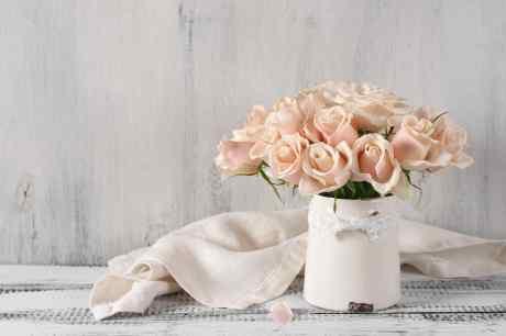 giusto equilibrio tra la vendita di fiori e piante e  l' impeccabile organizzazione di eventi di ogni genere
