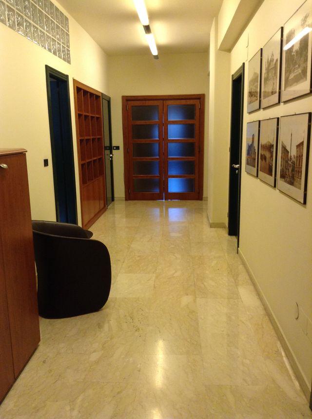 corridoio interno dello studio legale