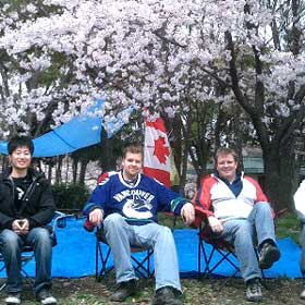 Hanami with Canadians in Nagoya