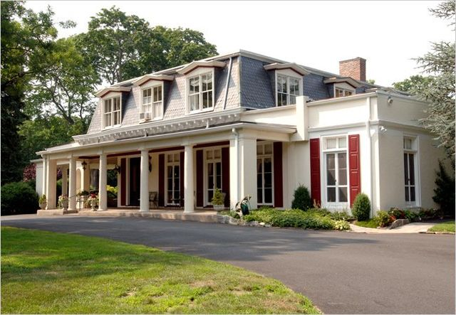 Scarsdale Edgemont Family Counseling Service was founded by the Scarsdale Woman's Club