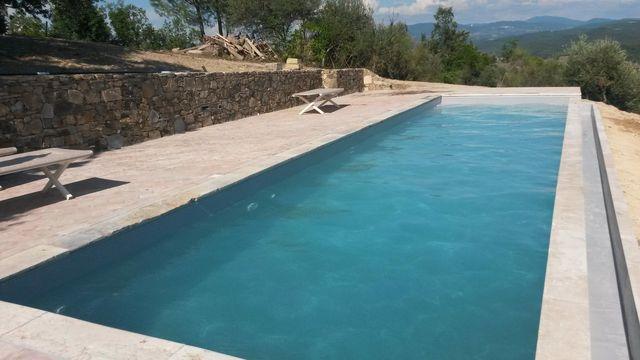 Luogo preparato per costruire una piscina