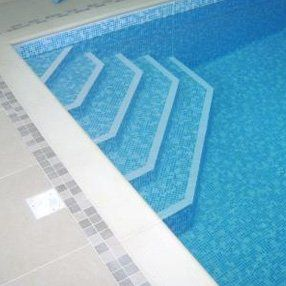 on-site lining of a pool