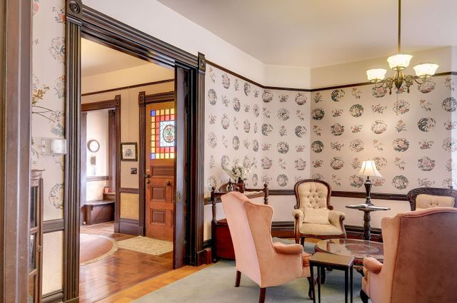 Weekly lodging Victorian Hinds House