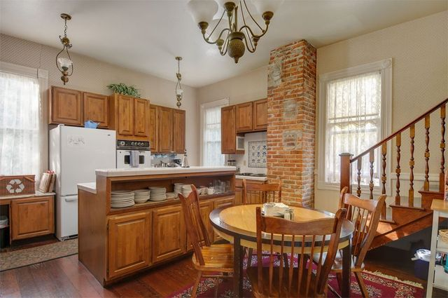 Hinds House kitchen Santa Cruz