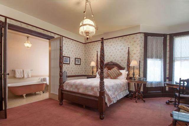 Hinds House Santa Cruz weekly hotel room 2