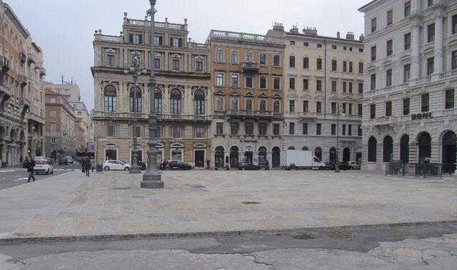 Piazza Ponterosso 2 a Trieste