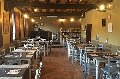 Vista interna del Ristorante Pizzeria Quattro a Pavia