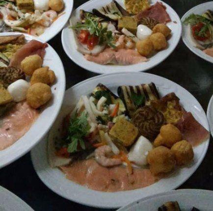 dei piatti a base di pesce