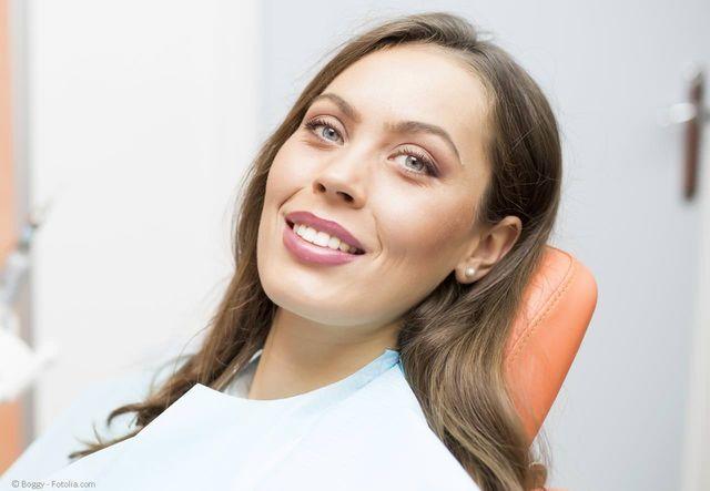 Entspannte Zahnbehandlung mit Lachgas oder Narkose in der Zahnarztpraxis Dr. Rainer Lösch in Erlangen-Tennenlohe