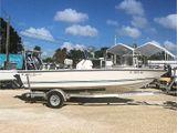 2009 Key Largo 1900 Bay Boat