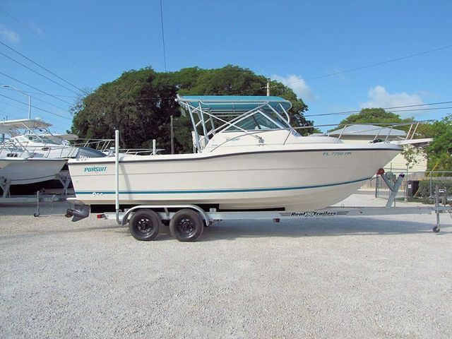 1994 23' Pursuit Walkaround for Sale by Boat Depot in Key Largo, FL