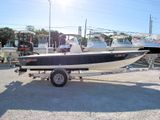 2003 Hewes Redfisher 18 Flats Boat
