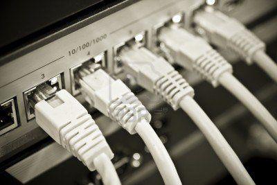 fili attaccati al processore di un computer