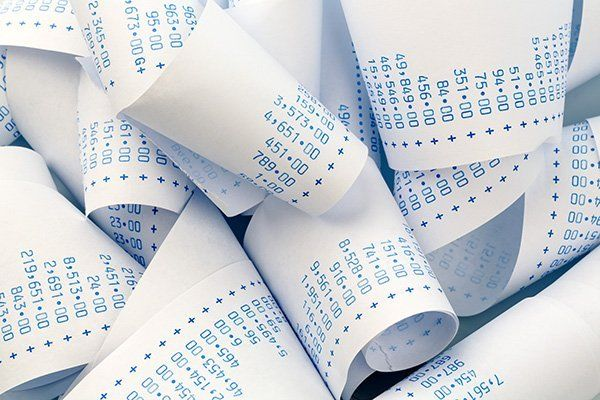 Rotolo di carta di una calcolatrice