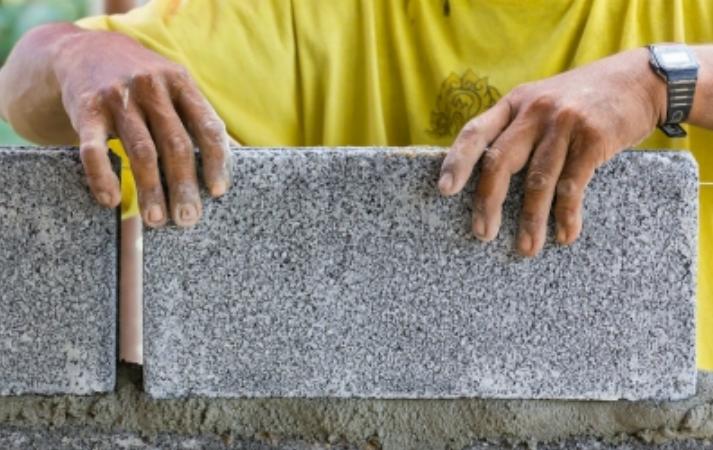 A masonry specialist in Cincinnati, OH